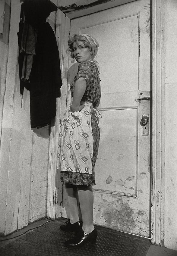 a biography of cindy sherman a camera artist
